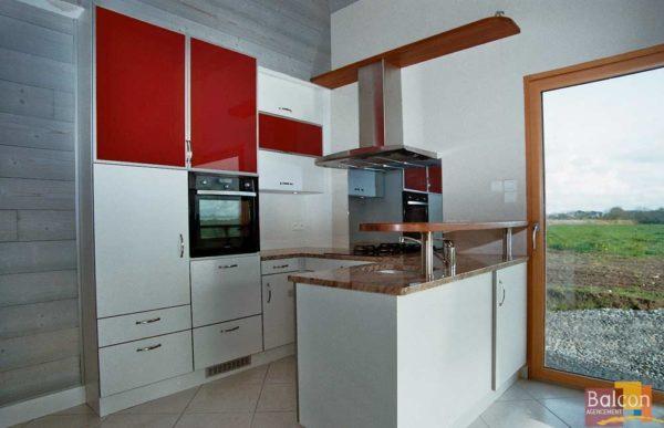 cuisine stratifié verre laqué rouge