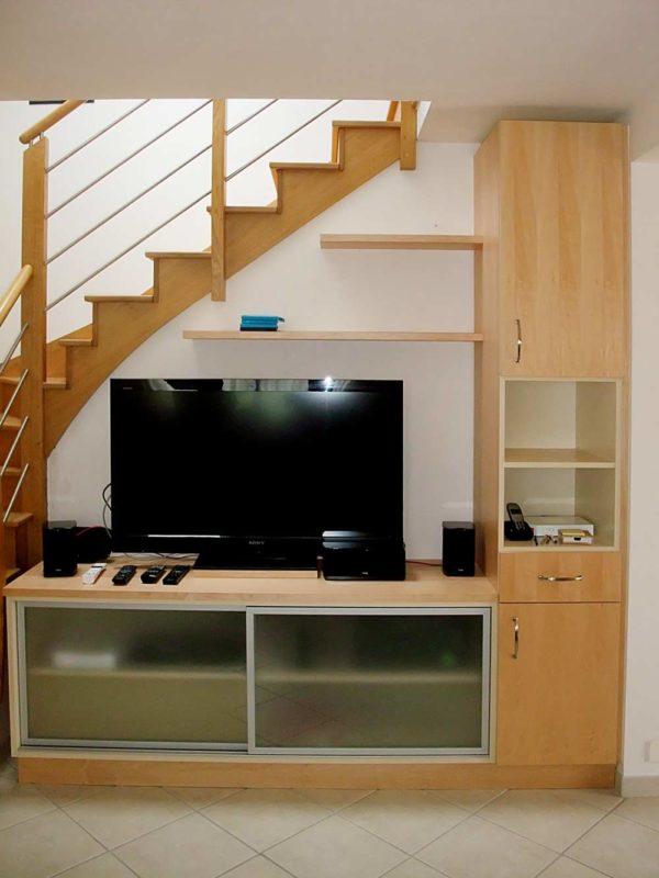 meuble TV sous escalie